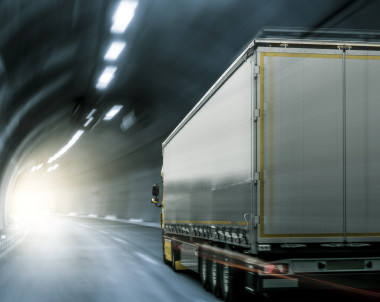 Regeringen förbereder lastbilsskatt