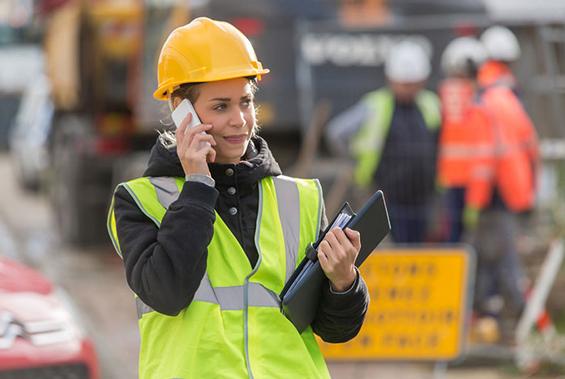 Kvinnliga byggchefer tjänar mer än män